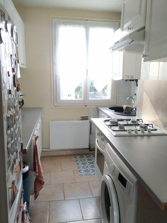 Appartement à louer 3 54.68m2 à Compiègne vignette-4