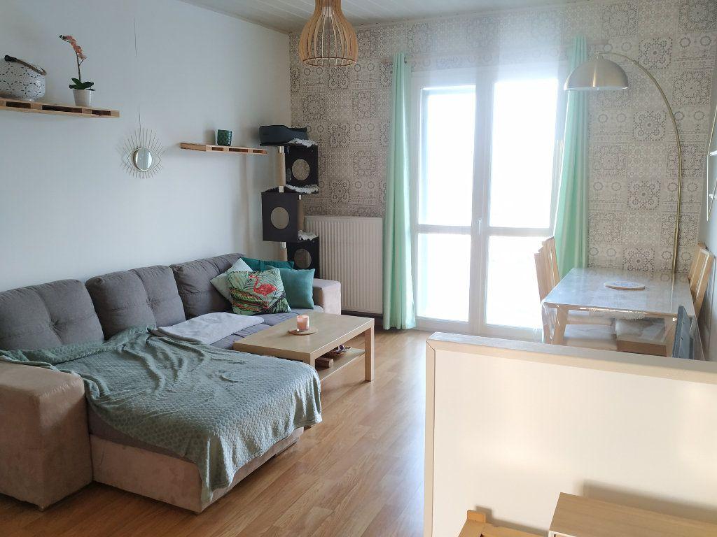 Appartement à louer 3 54.68m2 à Compiègne vignette-5