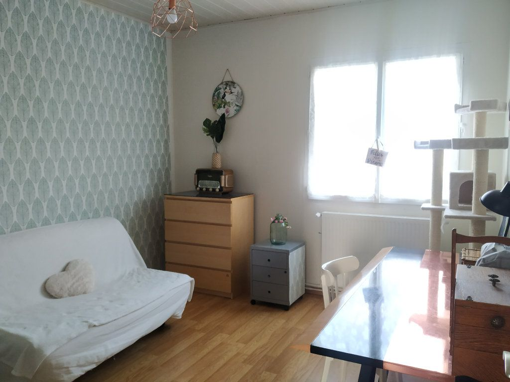 Appartement à louer 3 54.68m2 à Compiègne vignette-6