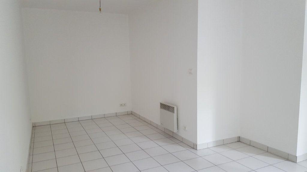 Appartement à louer 1 30m2 à Margny-lès-Compiègne vignette-2