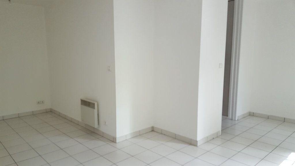 Appartement à louer 1 30m2 à Margny-lès-Compiègne vignette-4