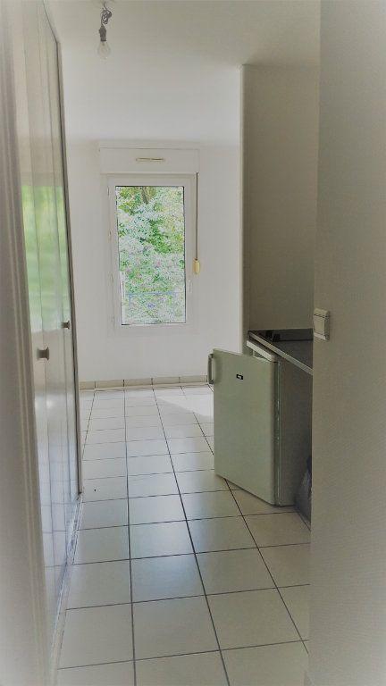 Appartement à louer 1 30m2 à Margny-lès-Compiègne vignette-5