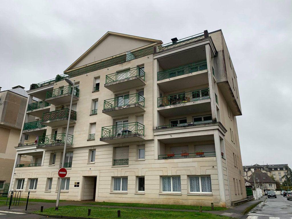 Appartement à louer 1 29.47m2 à Compiègne vignette-1