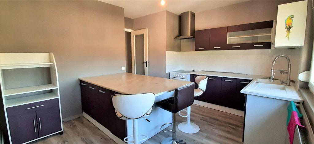 Appartement à vendre 4 90m2 à Cuise-la-Motte vignette-1