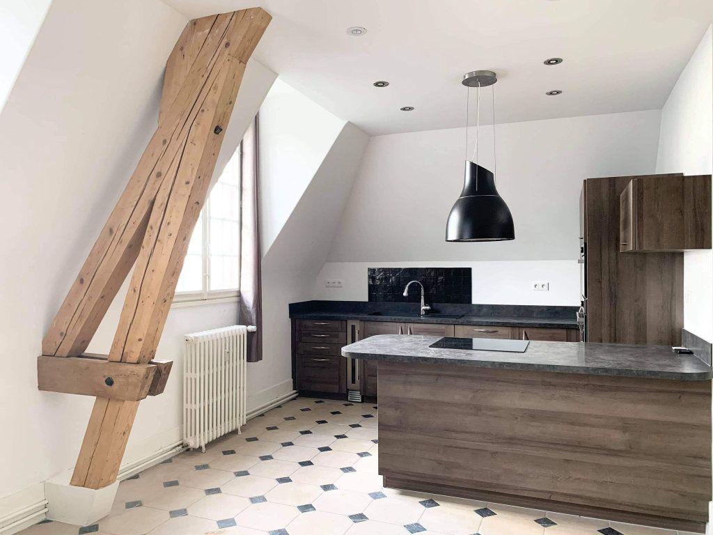 Appartement à louer 3 100.44m2 à Clairoix vignette-1