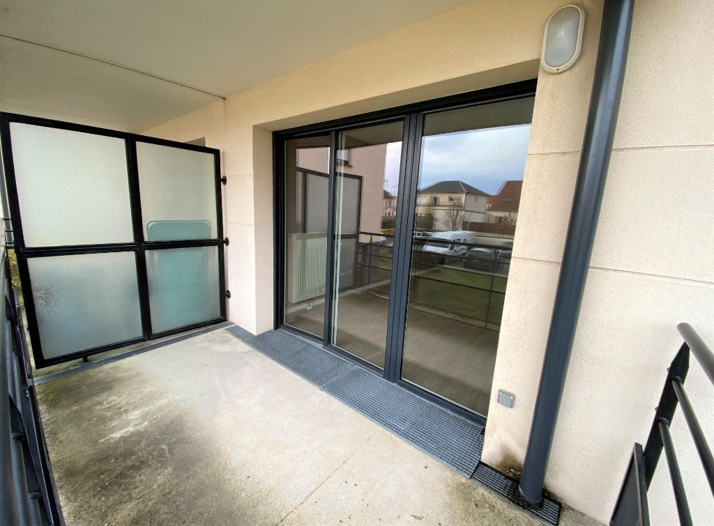 Appartement à vendre 3 66.84m2 à Compiègne vignette-3
