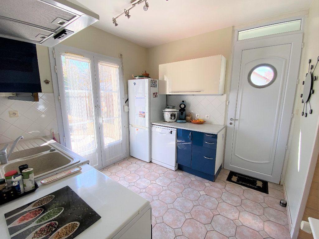 Maison à vendre 3 60m2 à Compiègne vignette-3