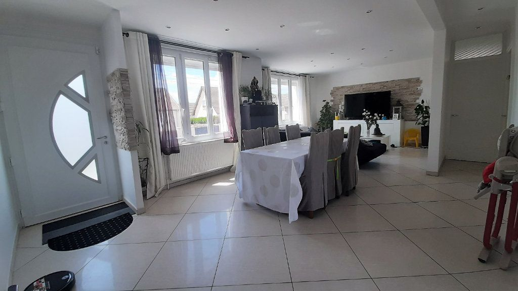 Maison à vendre 6 150m2 à Compiègne vignette-3