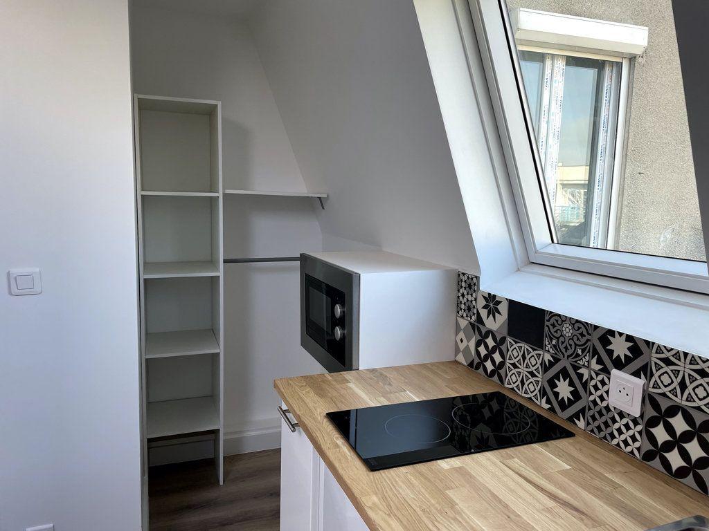 Appartement à louer 1 10.98m2 à Compiègne vignette-4