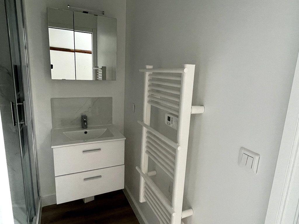 Appartement à louer 1 10.98m2 à Compiègne vignette-5