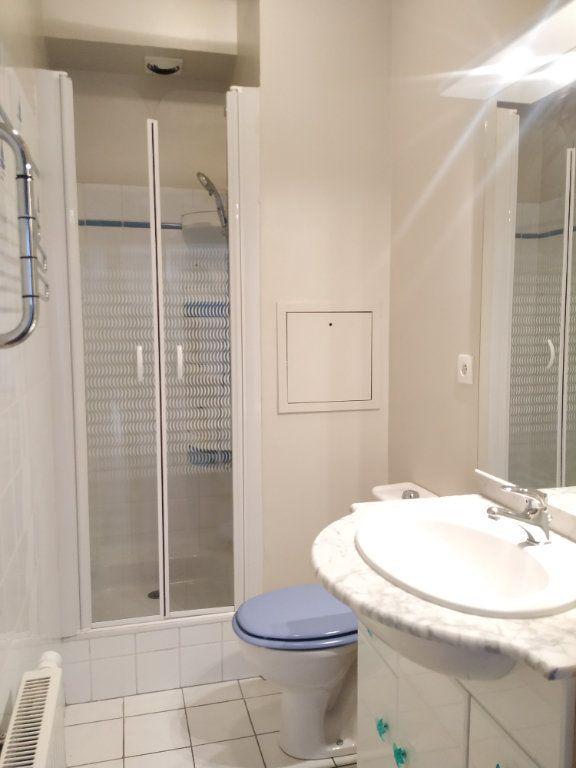 Appartement à louer 2 37.3m2 à Compiègne vignette-3
