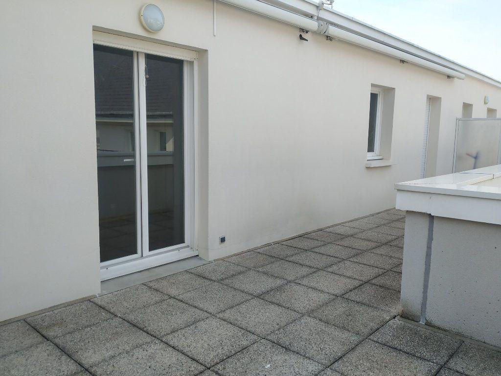 Appartement à louer 2 37.3m2 à Compiègne vignette-4