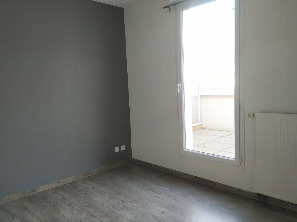 Appartement à louer 2 37.3m2 à Compiègne vignette-5
