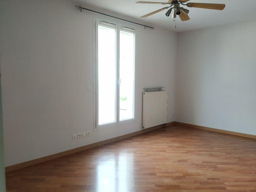 Appartement à louer 2 37.3m2 à Compiègne vignette-6
