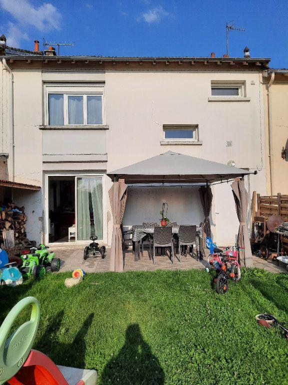 Maison à louer 4 69m2 à Vic-sur-Aisne vignette-1