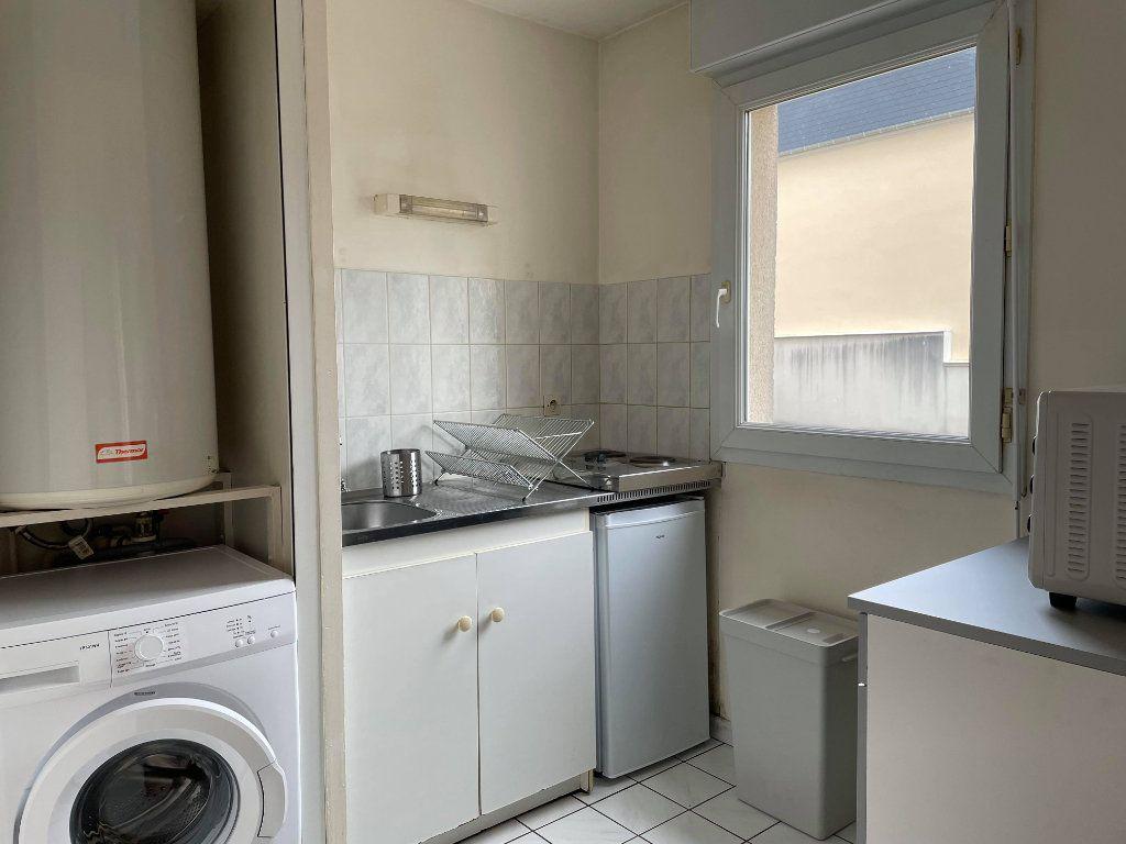 Appartement à louer 1 28.66m2 à Compiègne vignette-4