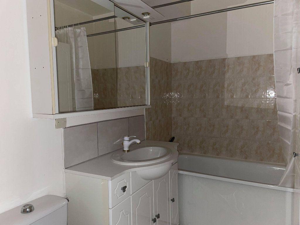 Appartement à louer 1 28.66m2 à Compiègne vignette-5