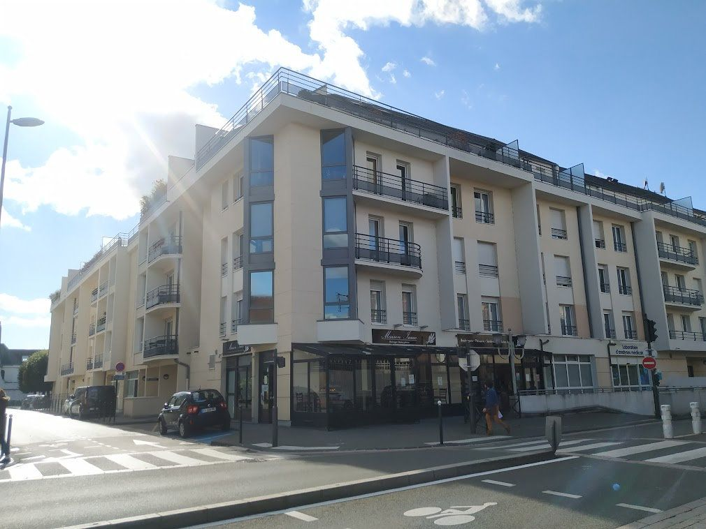 Appartement à louer 4 89.84m2 à Compiègne vignette-1