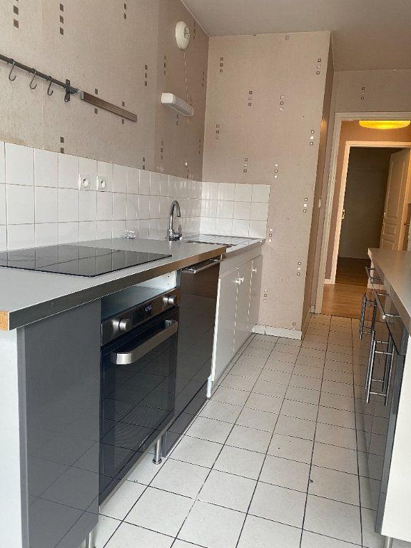 Appartement à louer 4 89.84m2 à Compiègne vignette-4