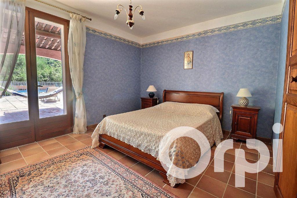 Maison à vendre 7 209m2 à Fuveau vignette-6