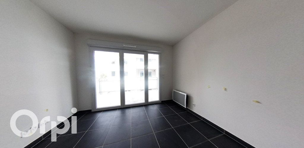 Appartement à louer 2 39.86m2 à Roquevaire vignette-2