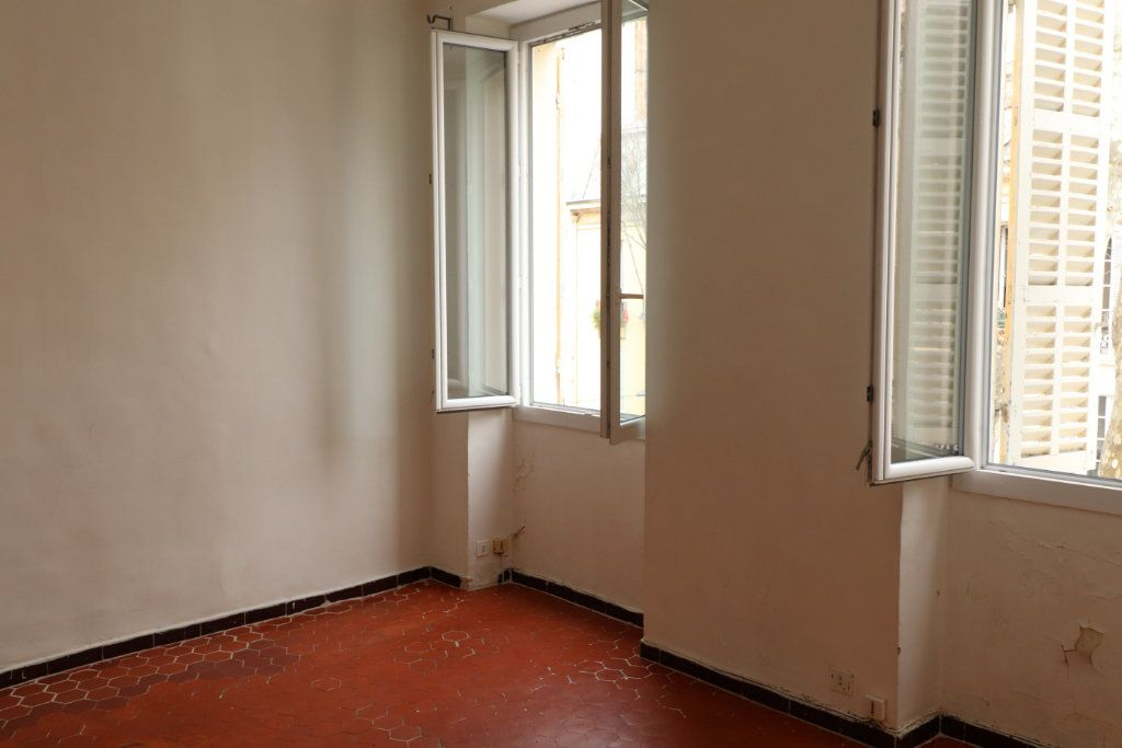 Appartement à louer 2 37m2 à Marseille 3 vignette-3