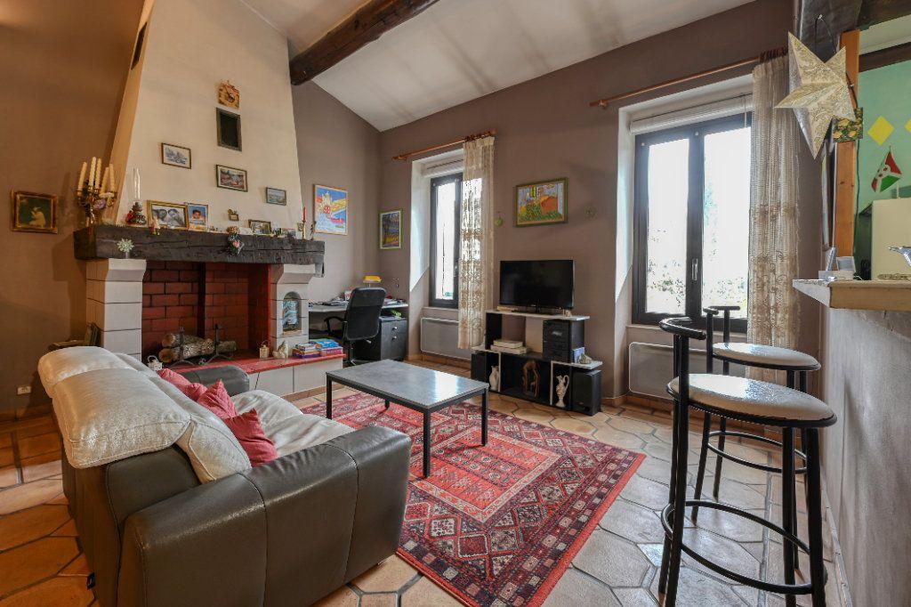 Appartement à vendre 4 123m2 à Fuveau vignette-2