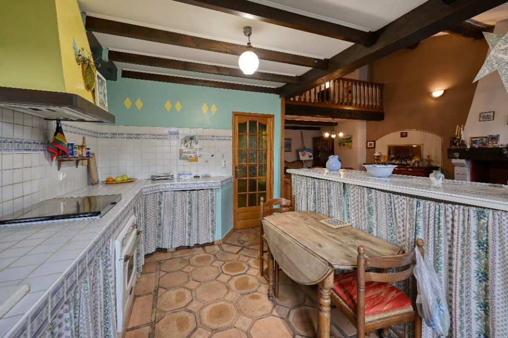Appartement à vendre 4 123m2 à Fuveau vignette-4
