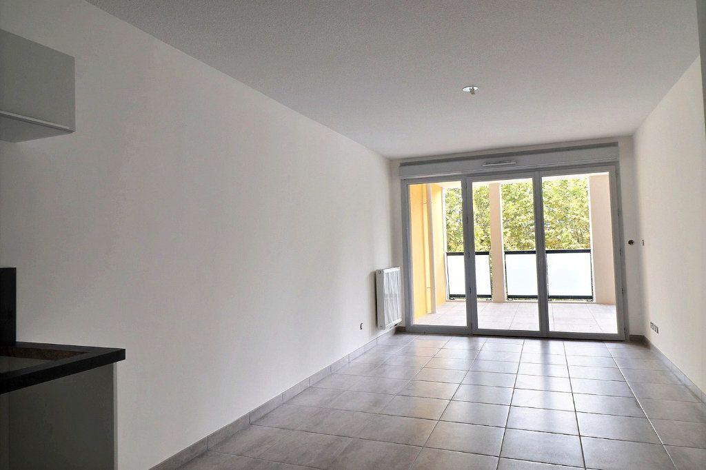 Appartement à louer 2 40.86m2 à Gardanne vignette-2