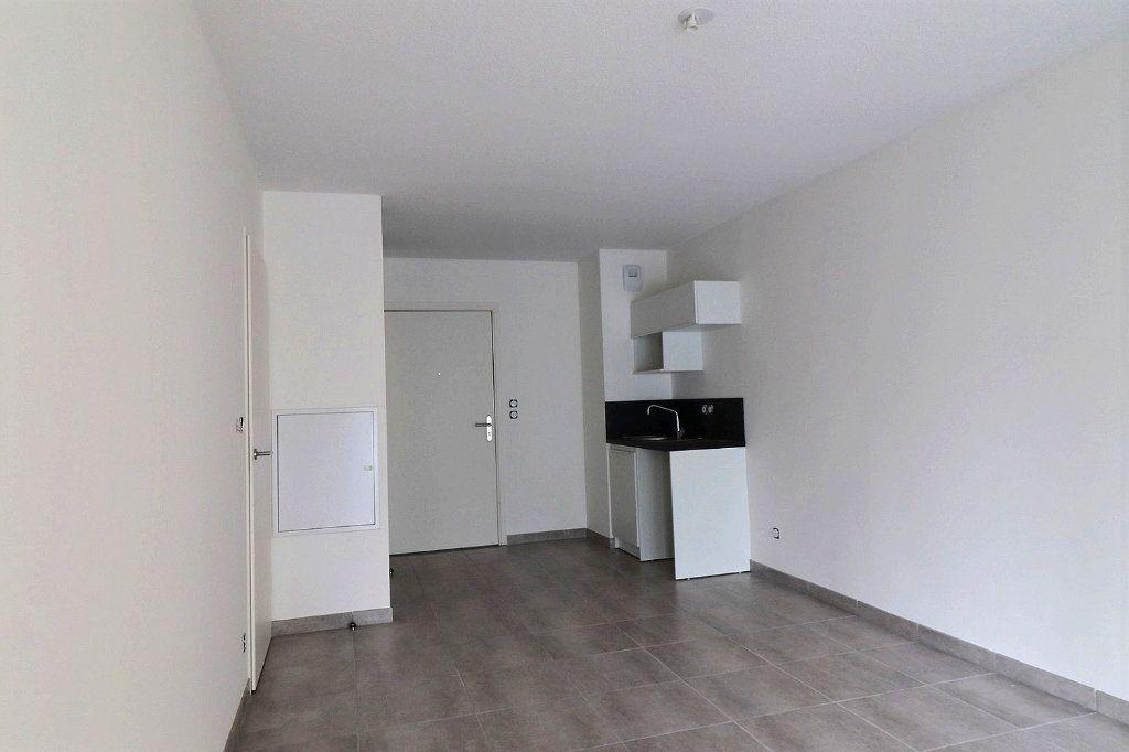 Appartement à louer 2 40.86m2 à Gardanne vignette-4