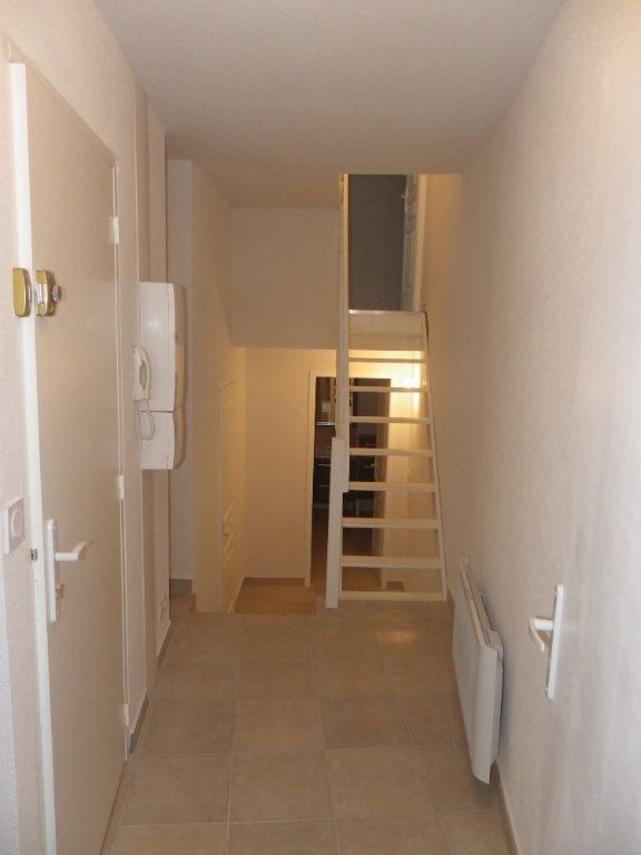 Appartement à louer 3 73.91m2 à Trets vignette-8