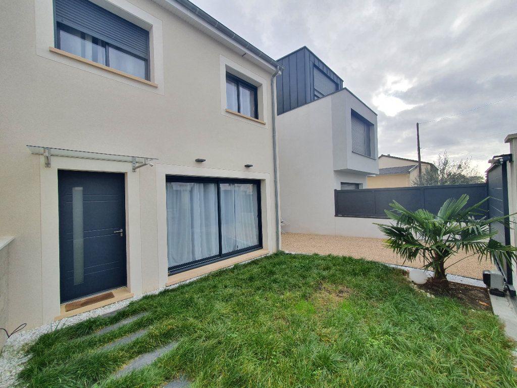 Maison à vendre 7 141m2 à Sartrouville vignette-1
