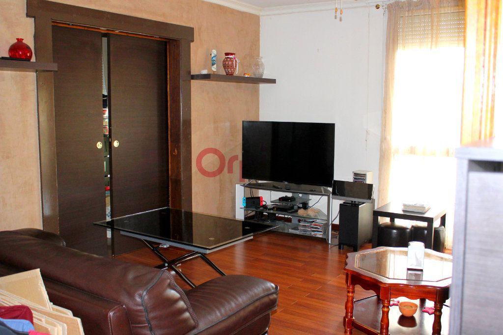 Appartement à vendre 4 77.97m2 à Poissy vignette-1