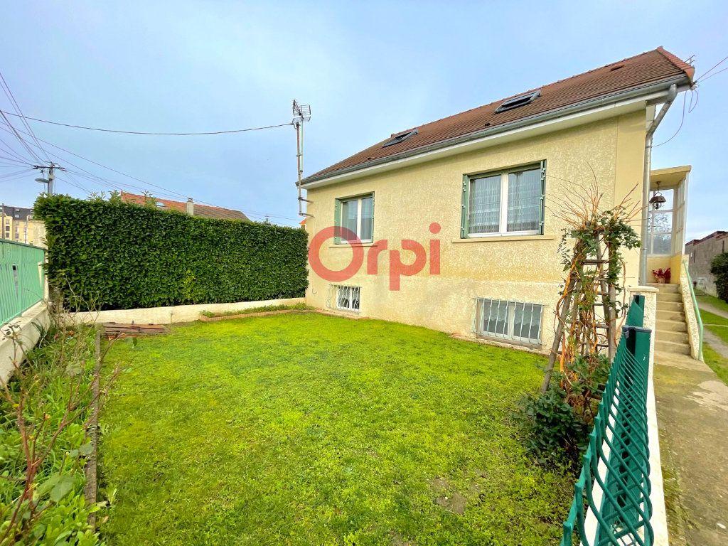 Maison à vendre 6 120m2 à Sartrouville vignette-1