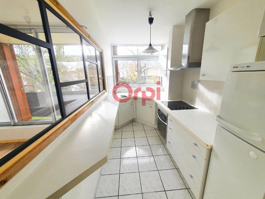 Appartement à vendre 3 49m2 à Maisons-Laffitte vignette-3