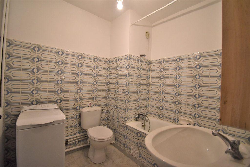 Appartement à louer 1 29m2 à Paris 15 vignette-7