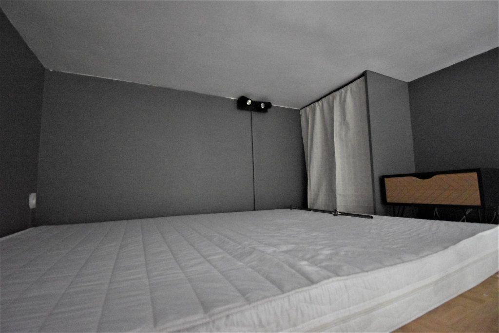 Appartement à louer 1 13m2 à Paris 16 vignette-4
