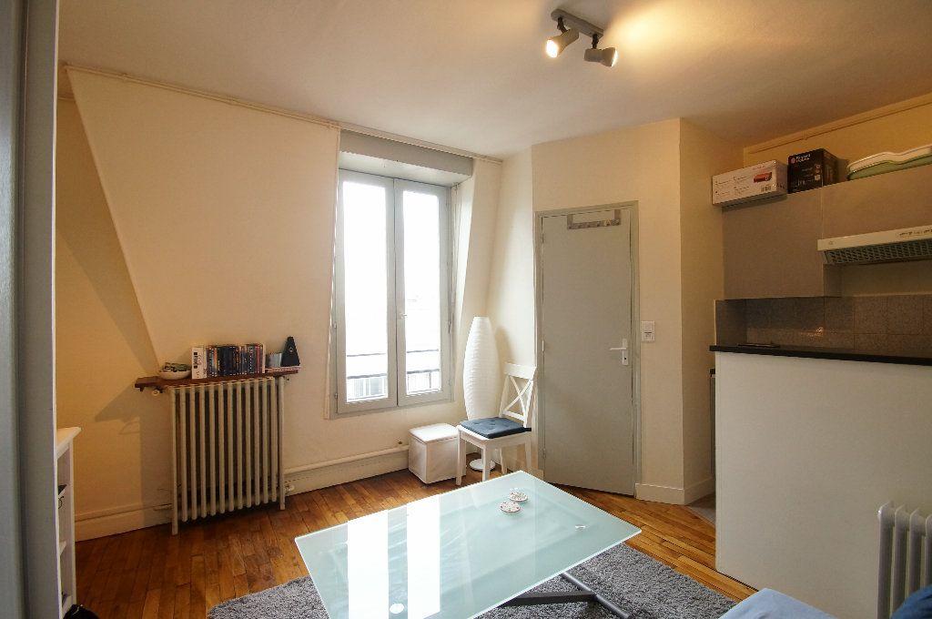 Appartement à louer 1 17m2 à Bois-Colombes vignette-2