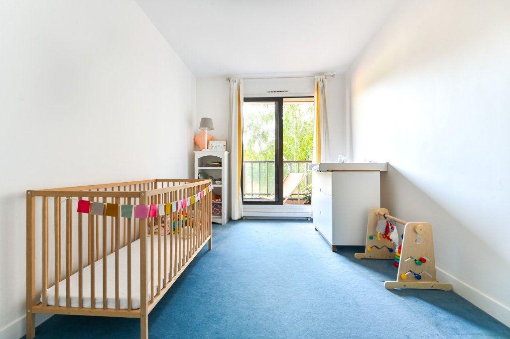 Appartement à vendre 3 69.48m2 à Paris 17 vignette-8