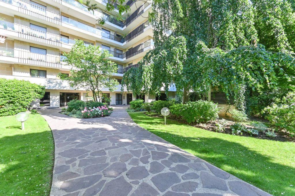 Appartement à vendre 3 69.48m2 à Paris 17 vignette-11