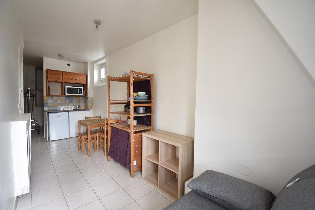Appartement à louer 1 16m2 à Paris 8 vignette-2