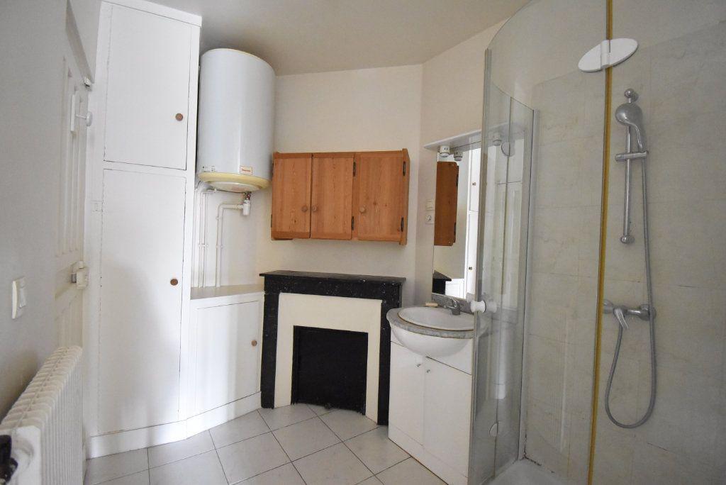 Appartement à louer 1 16m2 à Paris 8 vignette-3