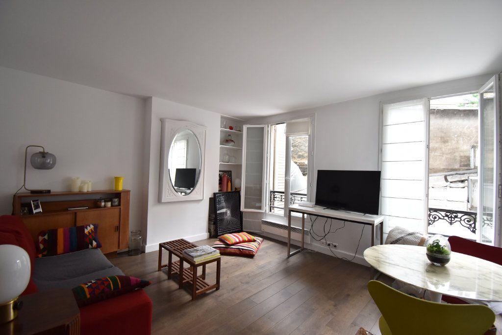 Appartement à louer 2 36.84m2 à Paris 17 vignette-1