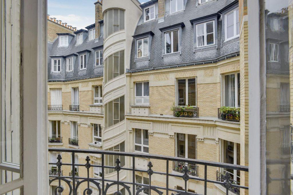 Appartement à louer 6 156m2 à Paris 8 vignette-10