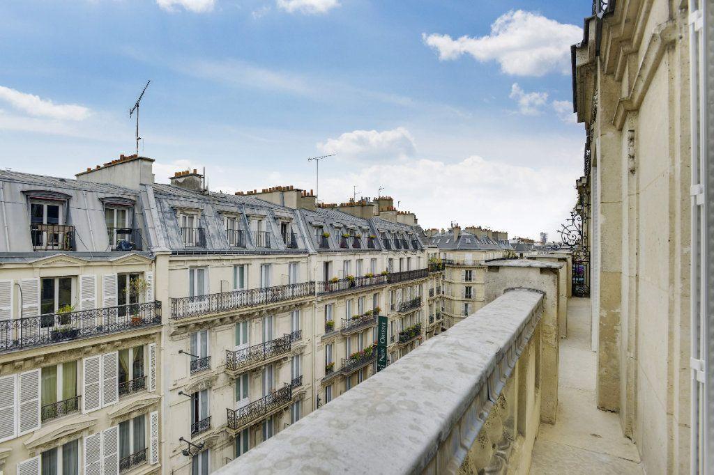 Appartement à louer 6 156m2 à Paris 8 vignette-15