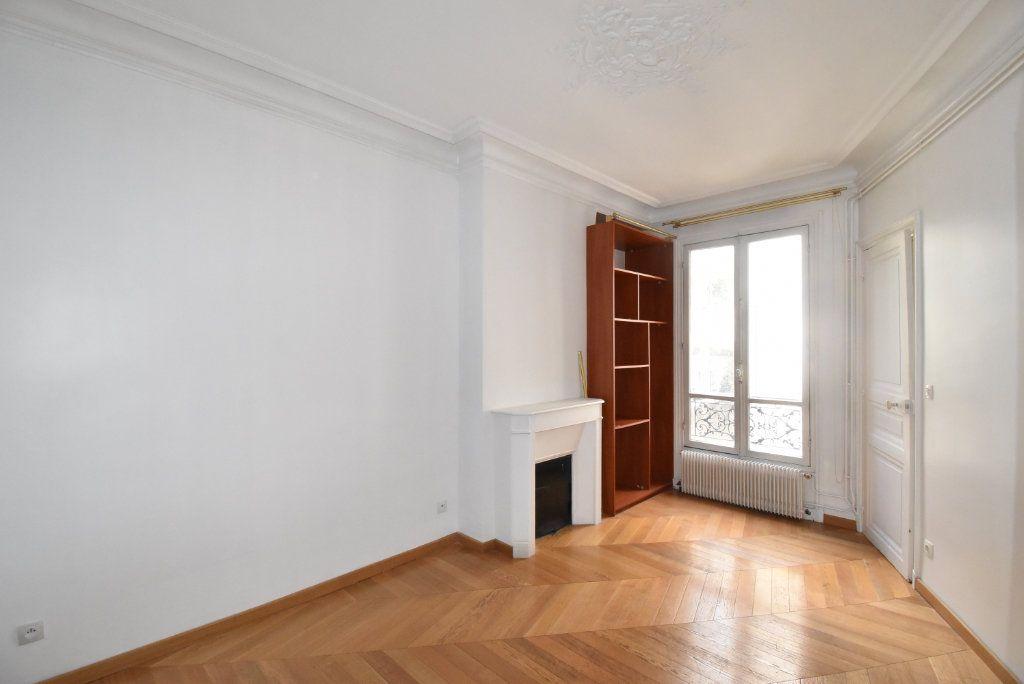 Appartement à louer 3 66.97m2 à Paris 17 vignette-4