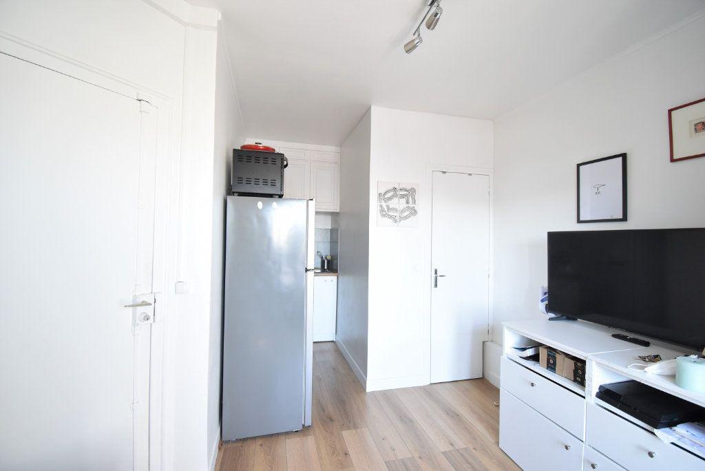 Appartement à louer 1 14.51m2 à Paris 17 vignette-3