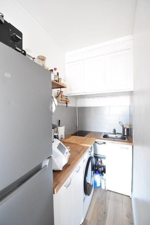 Appartement à louer 1 14.51m2 à Paris 17 vignette-4