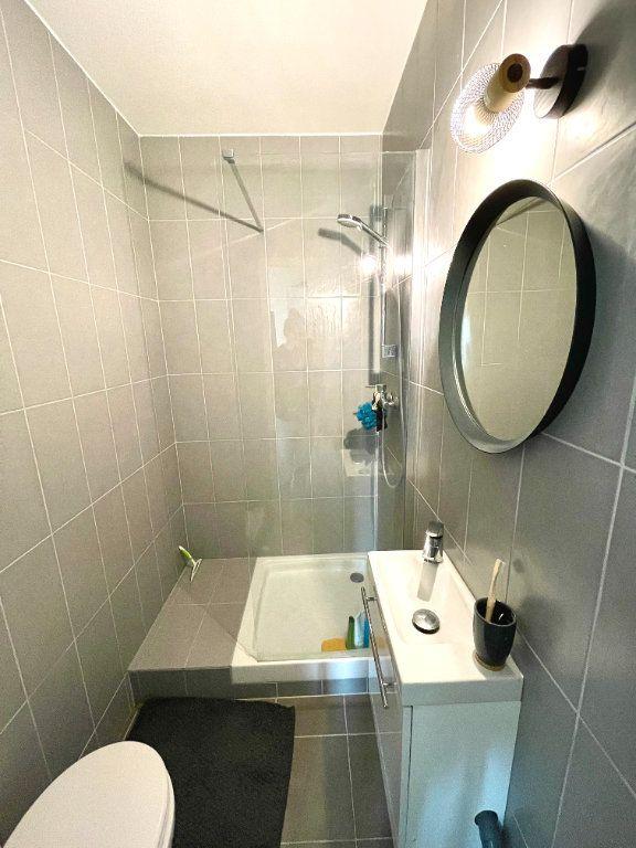 Appartement à louer 1 14.51m2 à Paris 17 vignette-5