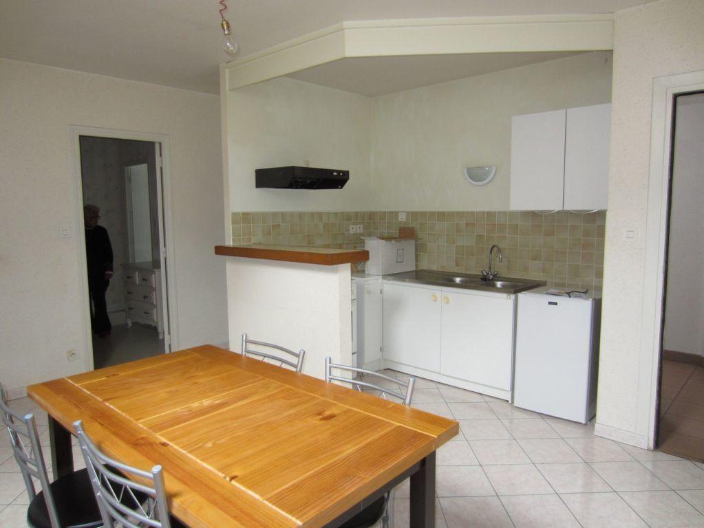 Appartement à louer 2 37m2 à Selles-sur-Cher vignette-2